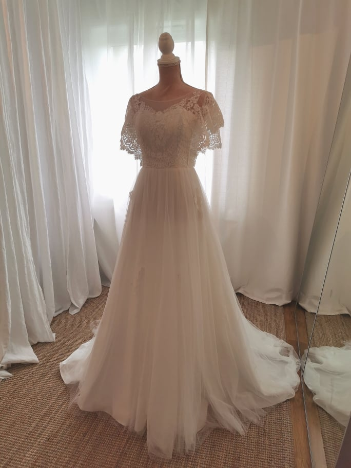 31ff612198c1 Bröllopsklänningar i Linköping - ny brudbutik | Bröllopsbruket